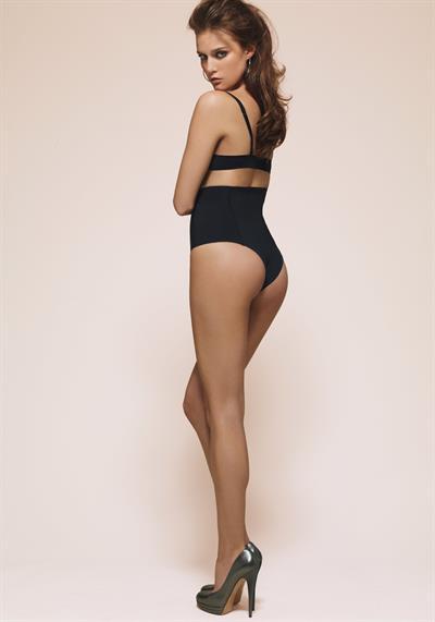 Kim Cloutier in a bikini - ass