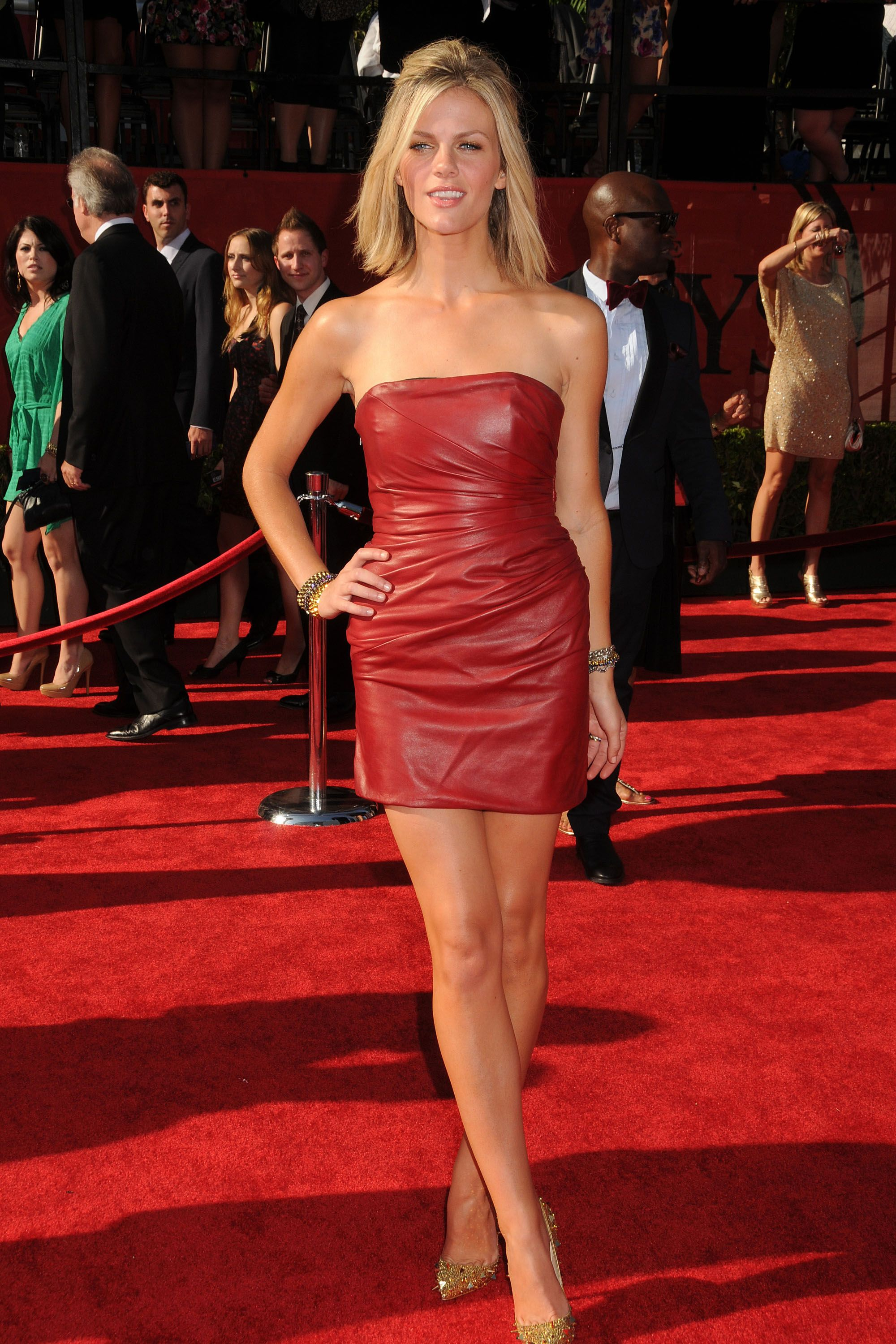 Brooklyn Decker Pictures. Hotness Rating = 9.63/10