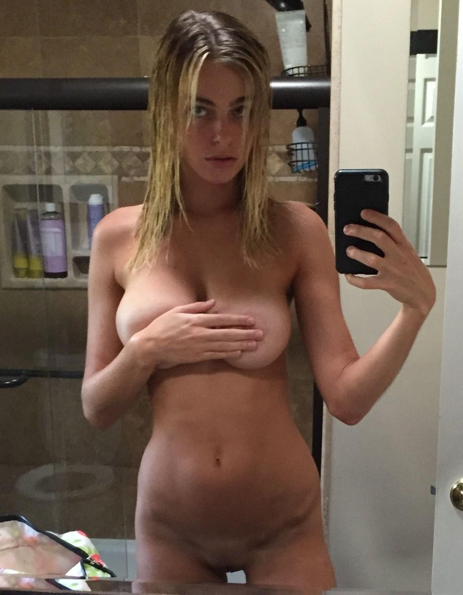 Elizabeth Turner Nude 21 Pictures In An Infinite Scroll