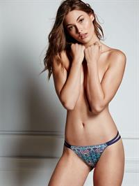 Grace Elizabeth in lingerie