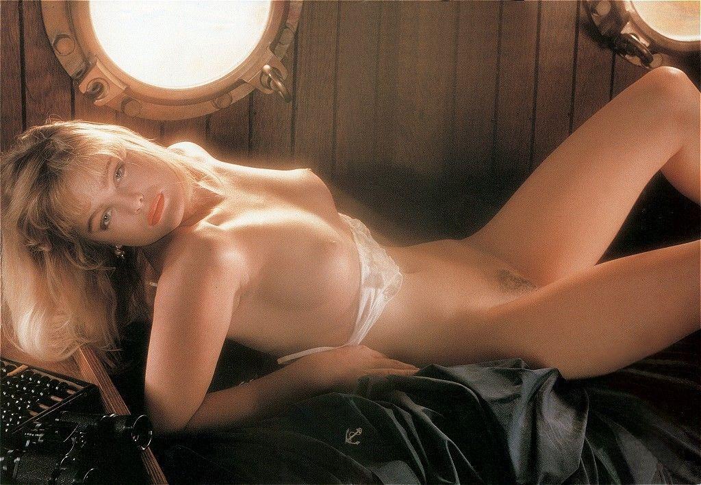 Attractive Erika Eleniak Nude Shots Scenes