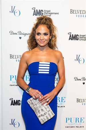 Jennifer Lopez - Pure Nightclub Caesars Palace on August 18, 2012
