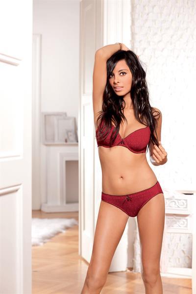 Collien Fernandes in lingerie