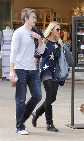 Stephanie Pratt with Robert Buckley in Los Angeles (16.05.2013)