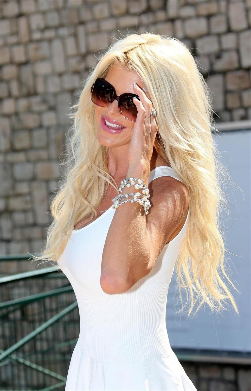 victoria-silvstedt-doll-naked-pics-of-hot-mature-asian-women