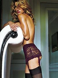 Gisele Bündchen in lingerie - ass