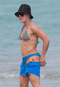Natasha Diamonds Nude - 1 Pictures: Rating 8.60/10