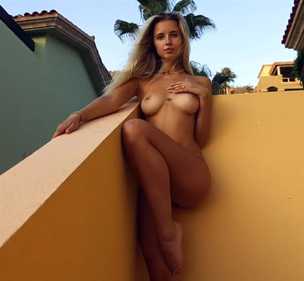 Polina Malinovskaya nude