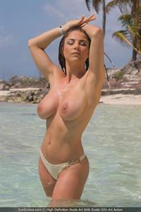 Roberta Missoni - breasts