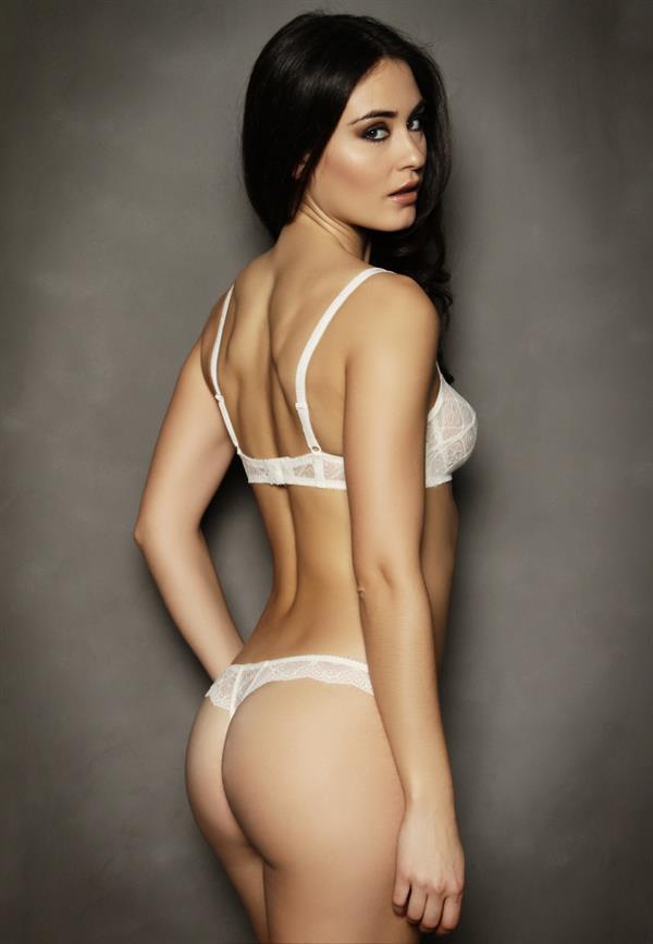 Circe de la Rosa in lingerie - ass