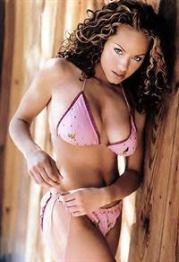Leila Arcieri in a bikini