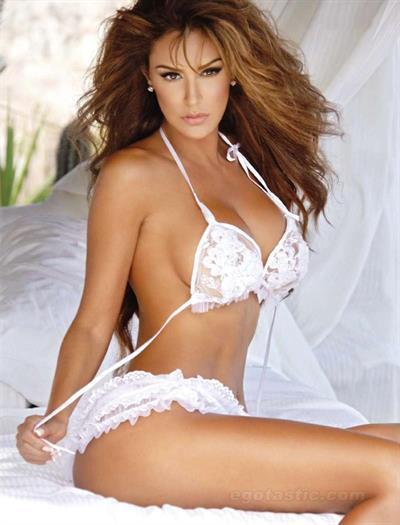Daniela De Jesus Cosio in lingerie