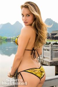 Hannah Jeter in a bikini - ass