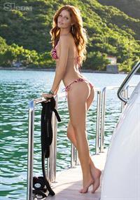 Cintia Dicker in a bikini - ass
