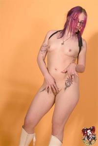 Zoe Quinn - breasts