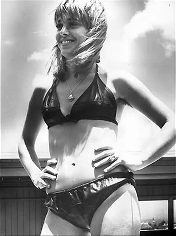 Suzi Quatro in a bikini