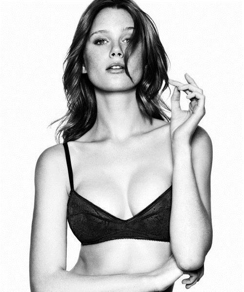 Loren Kemp in lingerie